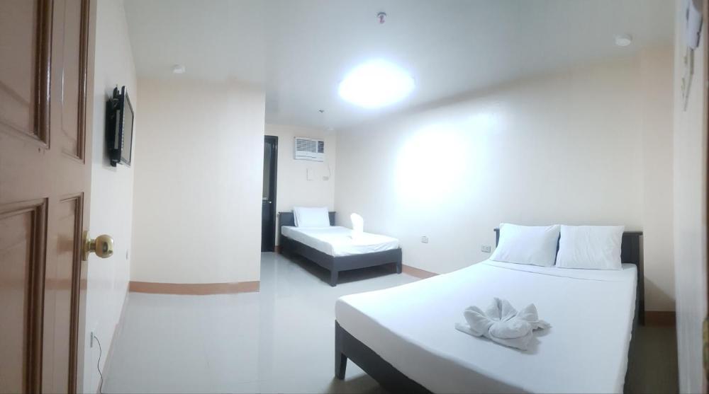 ISABELITA HOTEL & RESTAURANT