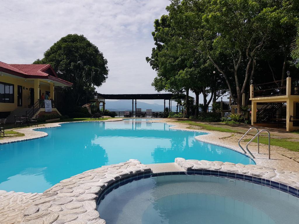 Punta De Fabian Resort Inc.