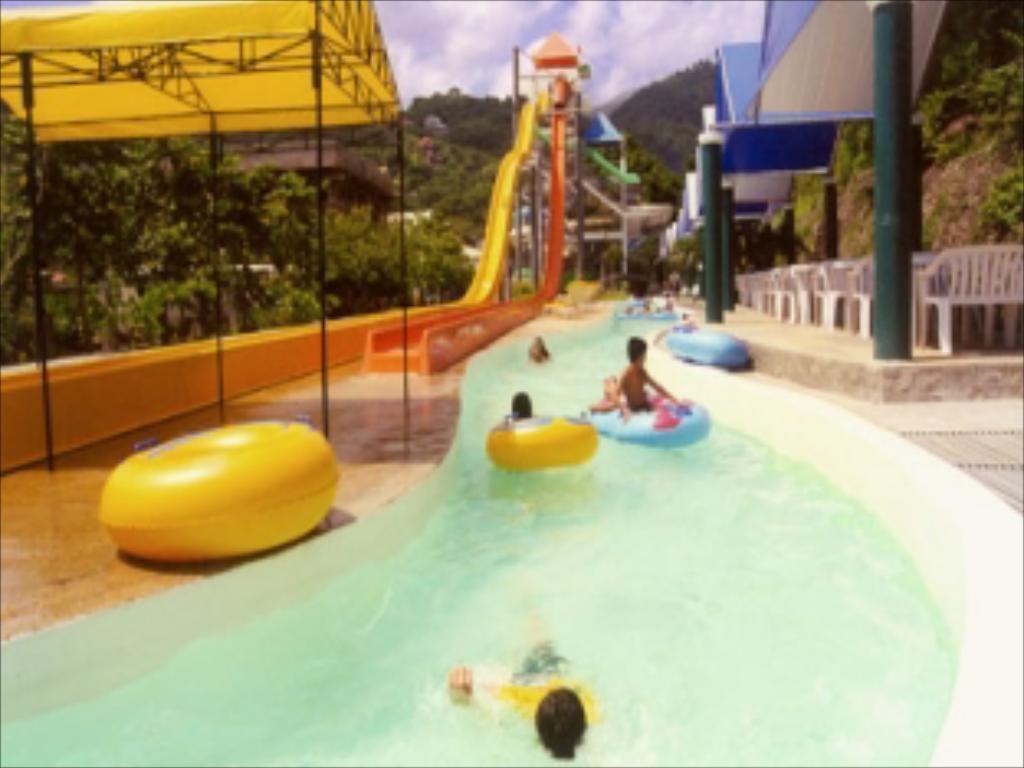 Splash Mountain Resort
