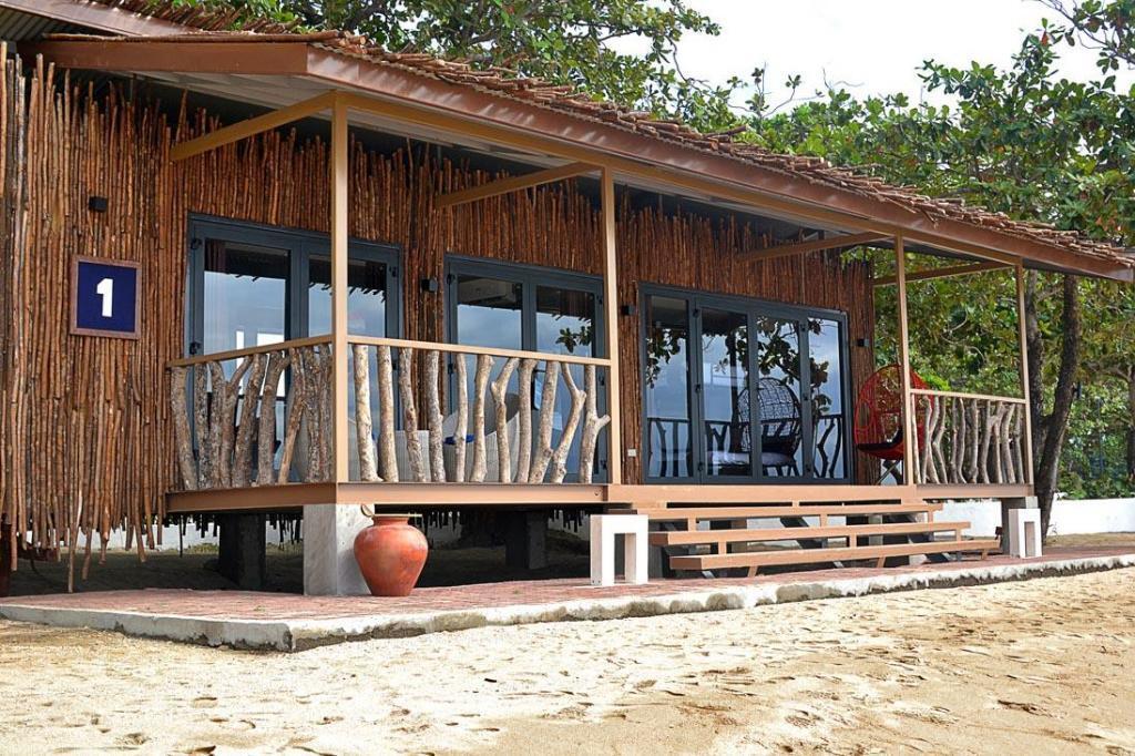 Aquaria Water Park & Crusoe Cabins