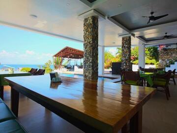 Island: MANARRA SEA VIEW RESORT