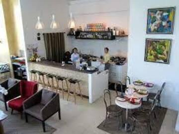 Condotel: Y2 Residences Hotel