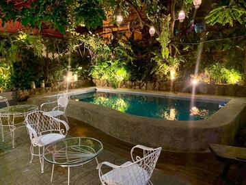Hostel: The Courtyard Hotel Pasay