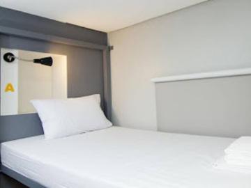 Hotel: Z Hostel Makati