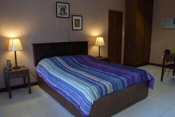 PLAYA PAPAGAYO BEACH INN & HOTEL