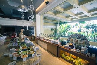 Royal Mandaya Hotel