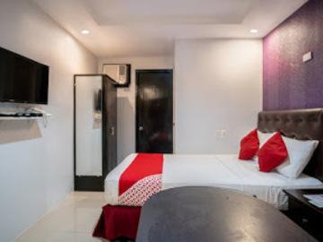 Hotel: OYO 697 Obrero Suites