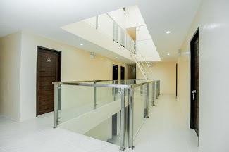 OYO 697 Obrero Suites
