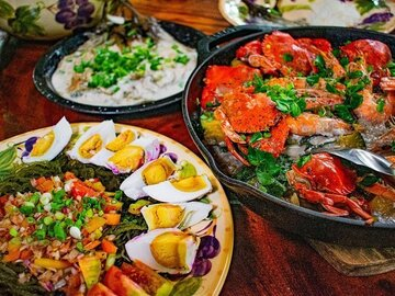 Private beach resort day tour: Private Market Tour, Cooking Class and Meal on a Local Farm